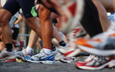 How to Choose the Correct Athletic Shoes for Your Feet & Activity
